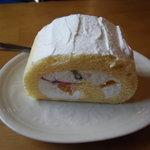 川奈日和 - ロールケーキ
