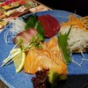 居酒屋 天下地鶏 - 料理写真:刺身3種盛り  マグロ赤身、ブリ、サーモン