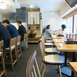 銀座寿司処 まる伊 - 2階席の様子。