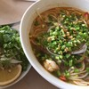 ミス・サイゴン - 料理写真:ブンボーフエ 950円 厚切りのボー(牛肉)が3 枚+エビ。