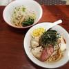 麺亭 九里林 - 料理写真:久里林そば900円(手前)  混ぜそば600円(奥側)