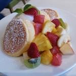 幸せのパンケーキ - 季節のフレッシュルフーツのパンケーキ フルーツたくさん!