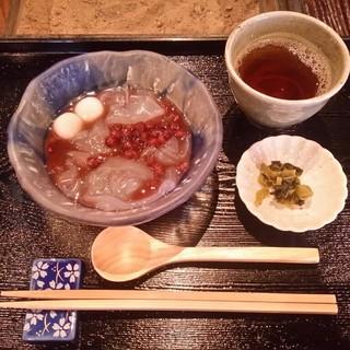 廣久葛本舗 - 料理写真:葛きりぜんざい
