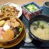群馬の台所 - 料理写真:「〆の釜めし」と「上州もち豚もつ焼き(甘辛醤油ダレ)」