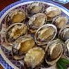 魚山人 - 料理写真:◆蒸し鮑・・写真は12名分(一人1個)。 鮑がやわらかいこと、程よい塩加減でこれ美味しいですよ。