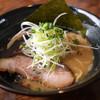奉仕丸 - 料理写真:しょうゆラーメン(黒マー油)
