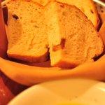 デリツィオーゾ イタリア - 薪窯パン二種