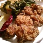 wabisuke - [料理] 鶏ももの唐揚げ アップ♪w ①