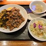 台湾中華 東明飯店 - 台湾丼 (ライス大盛り)
