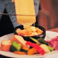 ラクレットオーブンで香ばしく暖めたラクレットチーズ!!