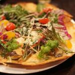 ミサキ イタリアーノ ボッカ - 料理写真:三浦野菜のサラダピザ