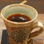 アンズ舎 - こっちのカップもかわいいよ~  手作りスイーツと美味しい珈琲が頂けるカフェ。 また近くに来たらぜひ利用させてもらいたいです!!