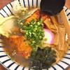 とん吉 - 料理写真:唐揚げラーメン(税抜700円)