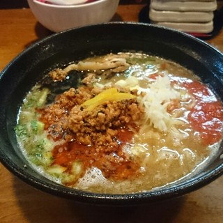 はりけんラーメン - 料理写真:鶏白坦々麺  ¥900