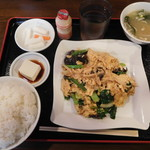 三百宴や - 玉子とキクラゲ炒め定食¥650-