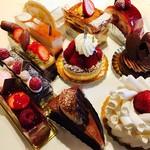アグネスカフェ - いつも悩む〜❤   エレガントなケーキです。