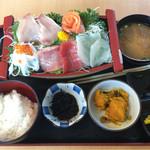 みっちゃんの魚や食堂 - 舟盛り定食 1,000円❣️