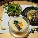 61695252 - お通し 玉子豆腐、ササミの山葵和え、枝豆