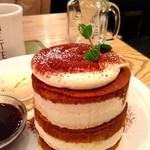 BURN SIDE ST CAFE - ティラミスパンケーキ♡