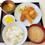 ひら川 - エビフライ定食とカップカレー