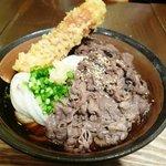 うどん屋 きすけ - 豪快!!肉ぶっかけ(番外編) + 鯛ちくわの天ぷら