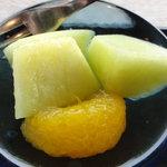 山里波 - デザートは、メロンとグレープフルーツ