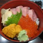 海の幸 - 中トロ・ウニ・いくら丼\1500(17-01)