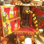 カルナータカー - この色使いに囲まれた食べるのがインド料理