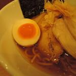 61814613 - 半熟玉子は薄味で、卵黄を主体にした優しい味。