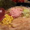 麺 虎テツ - 料理写真:限定らーめんは日本海ズワイガニとトマトの味噌らーめん850円