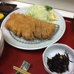 呑喰処 とんかつ 寿々女 - はちや豚ロースかつ定食 1,400円