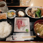 三是 - 煮魚定食 ¥800-