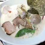 中華そば鷸 - 鶏豚出汁らーめん830円 味玉100円