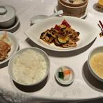 四川豆花飯荘 -