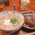 とらや - 本ソーキそば(中) 中細麺 ¥650