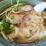 闘牛 - 料理写真:ワンタン麺(600円)