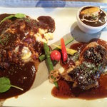 入り江 - オムライスと鶏肉のバルサミコ焼き