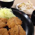 きんのつる - 特選ヒレかつ定食(920円)