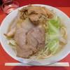 ラーメン二郎 - 料理写真:少なめ 野菜 ¥700-