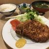 とんき - 料理写真:駒込とんき初めまして♡ロースカツ定食1650円 本店同様、行き届いたサービスに感動。あとソースが甘くておいしかった。