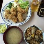 磯野家 - カキフライ定食のご飯を牡蠣飯小に変更したセット