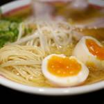 らあめん 広 - 中細ストレート麺・味玉