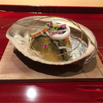 61996709 - 蝦夷鮑の蒸し煮、伊勢海老、紫雲丹、白魚、いっていない胡麻豆腐、チシャトウ、大根、京人参、土佐酢ジュレ