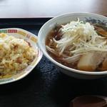 中華料理 金盛園 - 炒飯&もやしたっぷりラーメンの麺セット