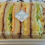 Cafe & bakery AZALEE - 料理写真:CAFE & BAKERY AZALEE 船堀店 デニッシュサンド 税込453円 包装形態 神戸屋さん製であるマーク付き