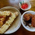 手打ちそばやさんうどんやさん 白虎 - 天ぷら 100円x2 ソースカツ丼 150円