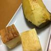 菓子工房 ら・ねぇーじゅ - 料理写真:手前がカマンベールチーズケーキ。奥の塊がスイートポテト('17/02/01)