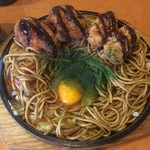 折尾のちゃんぽん - 料理写真:カキフライのせ焼きそば+チキンカツ2個