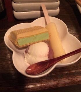 サムライキッチン - 【アイス盛り合わせ】(200円税込)市販アイスがたっぷりで、これは意外w