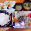 磯料理 みさき - 料理写真:上刺身定食 1200円(税込)+ご飯大盛100円 今日のお刺身は鯵、鯖、蛸、鮪、ほうぼう、さざえ、赤貝の7点。